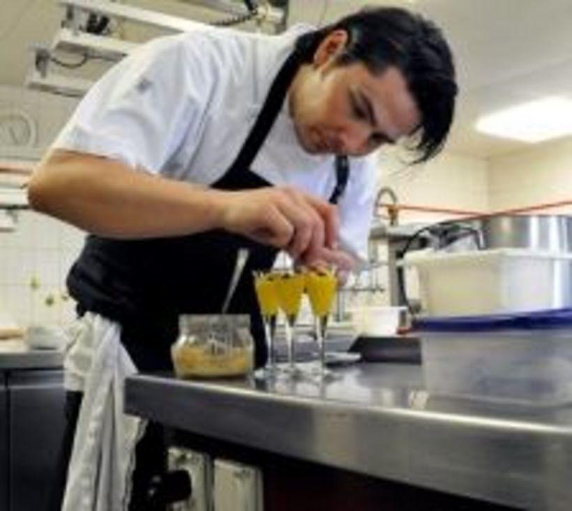 Mit Nachhaltiger Regionalkuche Zum Koch Des Jahres Htr Ch