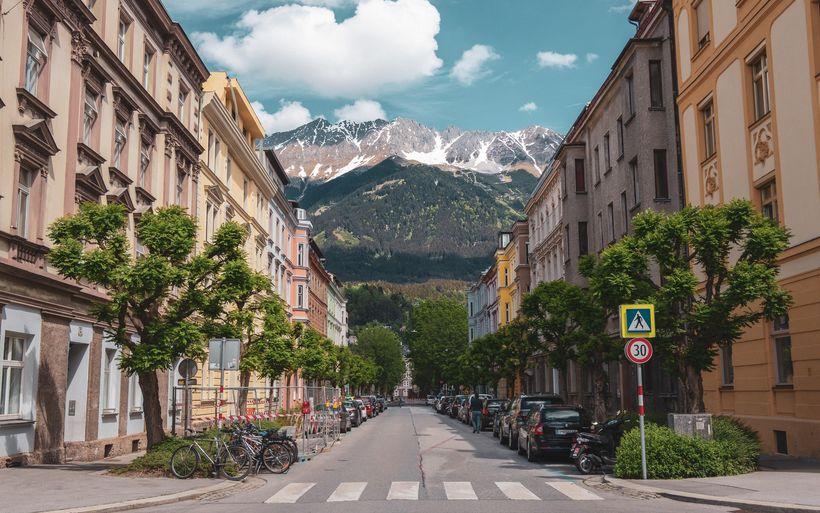 Österreich hebt Ausgangsbeschränkungen auf – Grenze vorerst zu ...